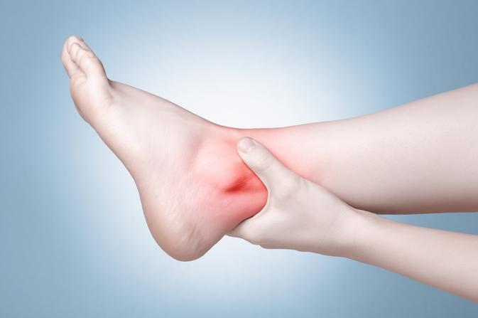 lábfájdalom a lábujjak között