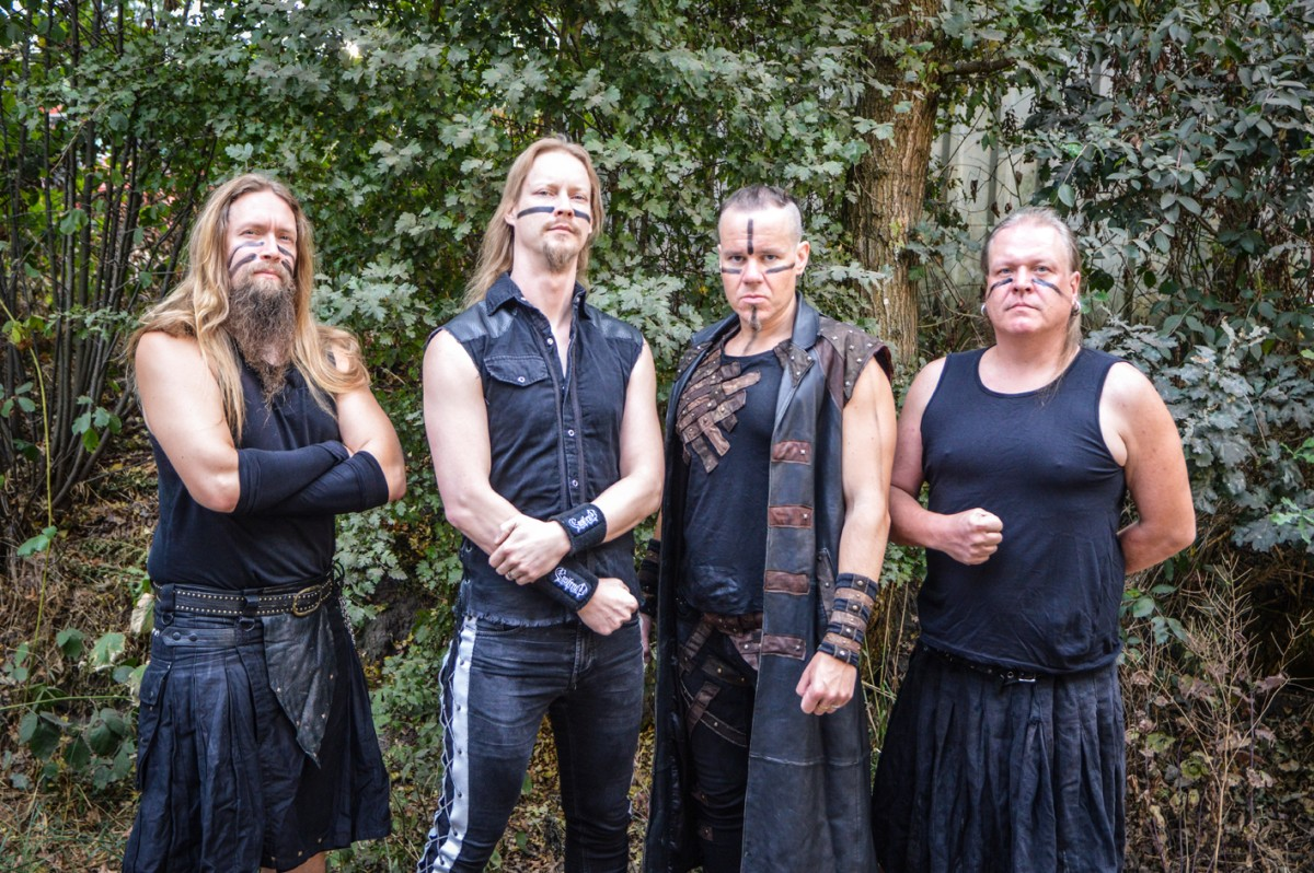 finn zenekarnak hívják)