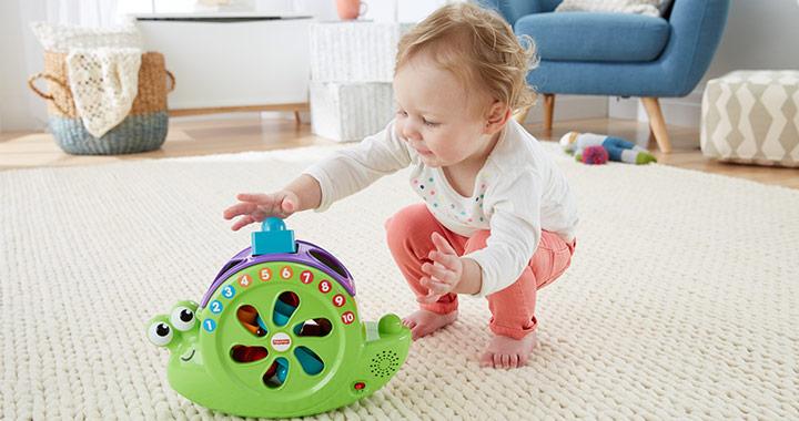 A baba fejlődése hónapról hónapra: A 6 hónapos baba játéka, étrendje és mozgásfejlődése.