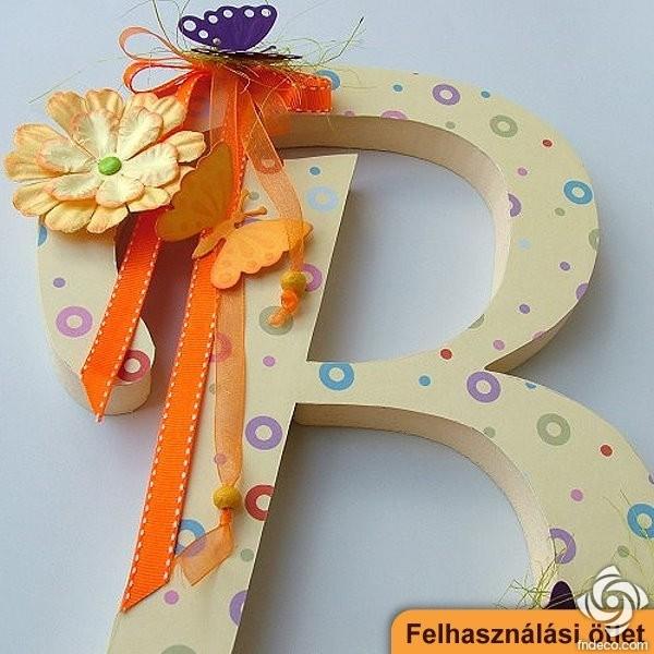 pillangó zeugma logó)