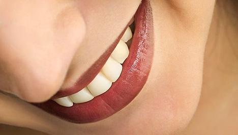 A kellemetlen szájszag 6 legjobb ellenszere - Egészség | Femina