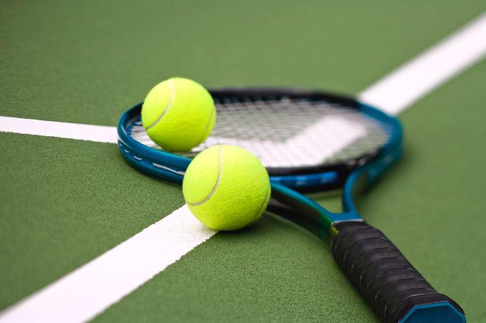 a tenisz invázió