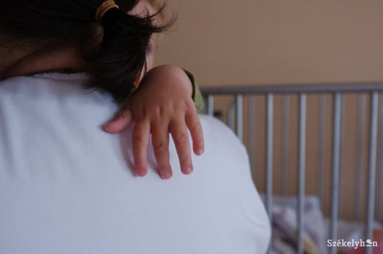 elhagyott gyermekek a kórházakban