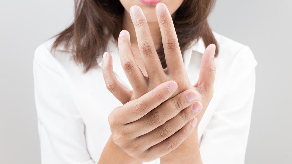 miért nedvesedik az ujjak között