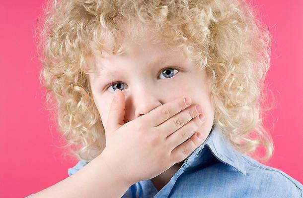 rossz lehelet 2 éves gyermekeknél